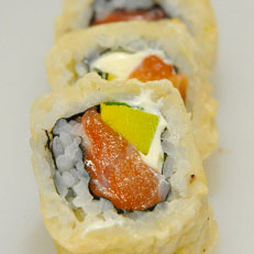 Sushi panko salmón (8 unidades)