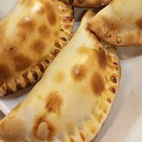 17 Empanada de jamon y palmitos