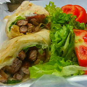 Wraps de bacon con guarnicion