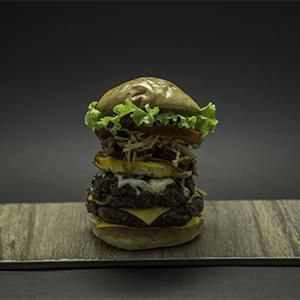 Boom Burger con pan libre de gluten con fritas