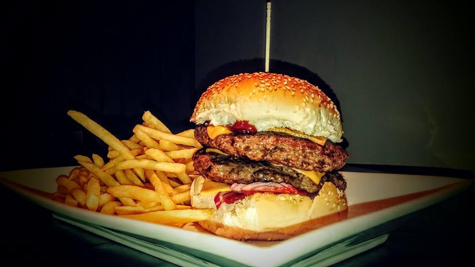Burger 1/5 de kilo con guarnicion
