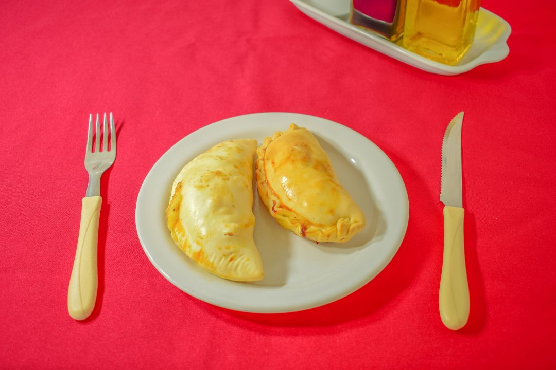 Empanada carne con queso