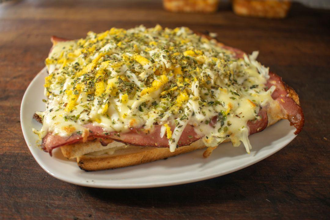 Sandwich caliente Cervantes