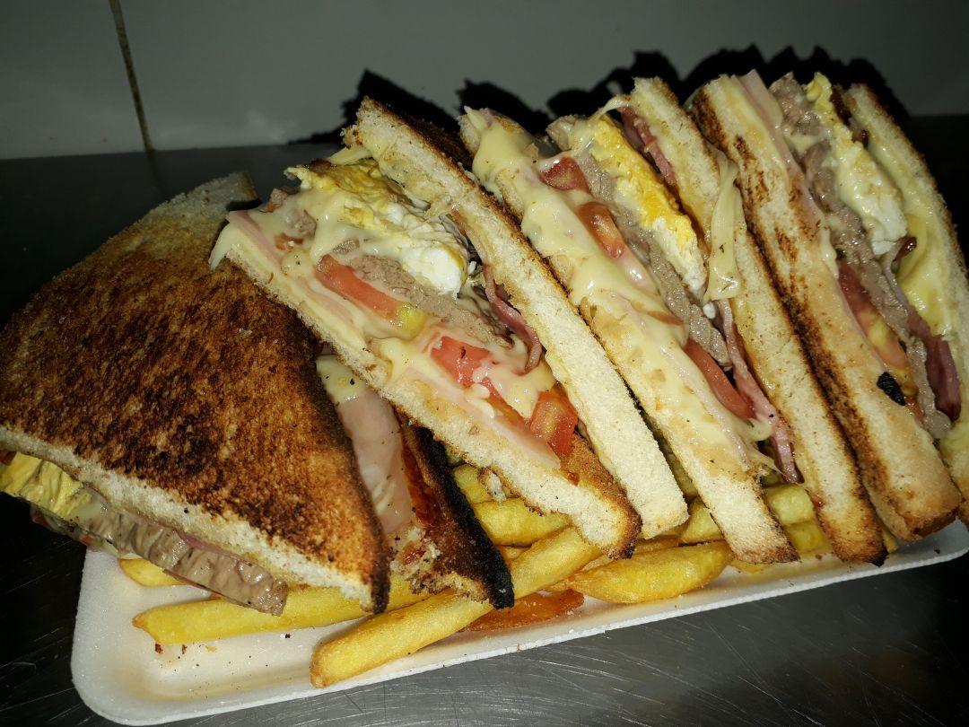 Sandwich caliente Super Mamina