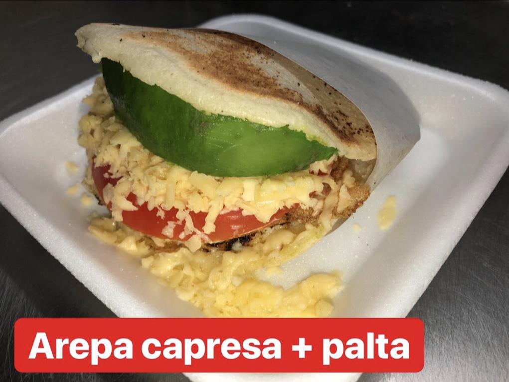 Arepa capresse (sin TACC)