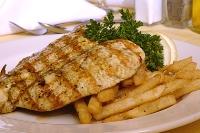 Pollo grillé con guarnición