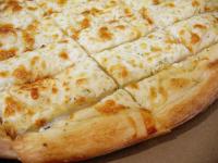 1/2 metro de pizza con muzzarella